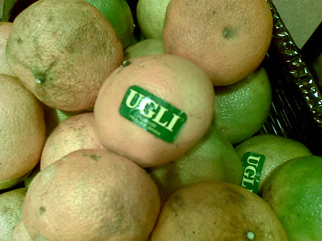 Yep, det er de godt nok. Rart at se at frugter også bliver mærket i overensstemmelse med sandheden.