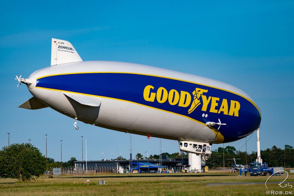 Zeppeliner - Goodyear Blimp