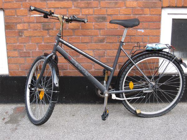 Utroligt at en cykel med et så relativt billigt udseende er beskyttet af en så avanceret lås!